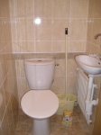 přízemí samostatné WC